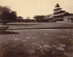View looking south from the Diwan-i-Khas, Fatehpur Sikri